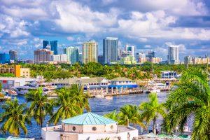 ort Lauderdale, Florida, USA skyline.